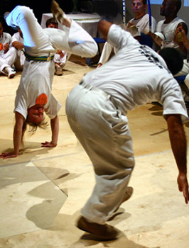 Capoeira game with Mestre Valdir, photo by Mark Himsworth